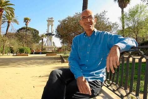 Foto : Emilio Carrillo, en los Jardines de Murillo, J. M. Paisano (Atese)